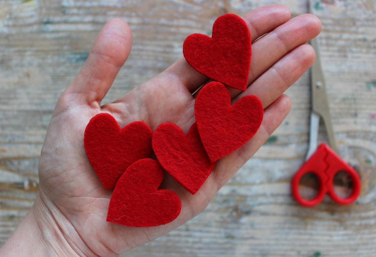 Herzen aus Filz